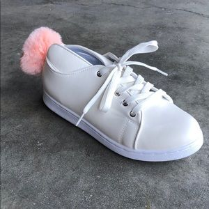 Qupid Women's Sneakers in White